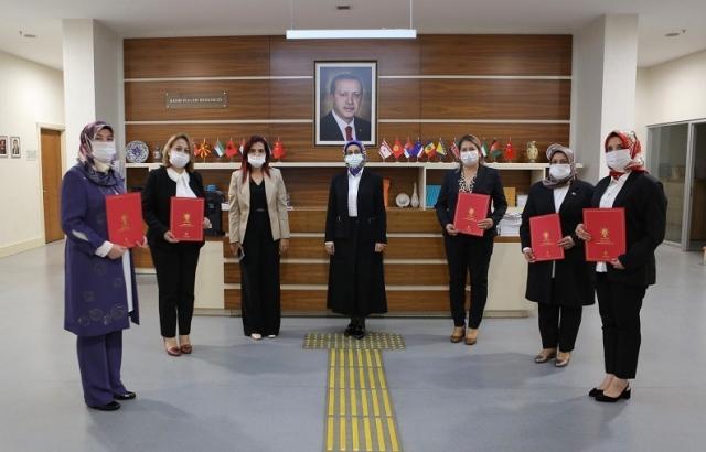 AK Parti'den 5 ilçeye yeni Kadın Kolları Başkan ataması