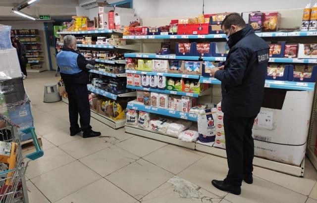 Altınözü'nde fırın ve marketlere Kovid-19 denetimi