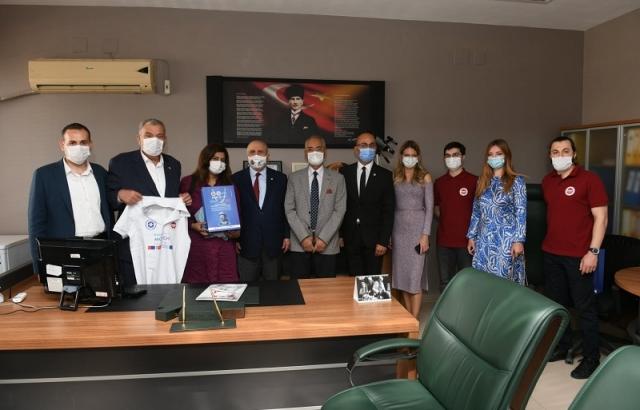 Başkan İzzettin Yılmaz yabancı öğrencileri ağırladı