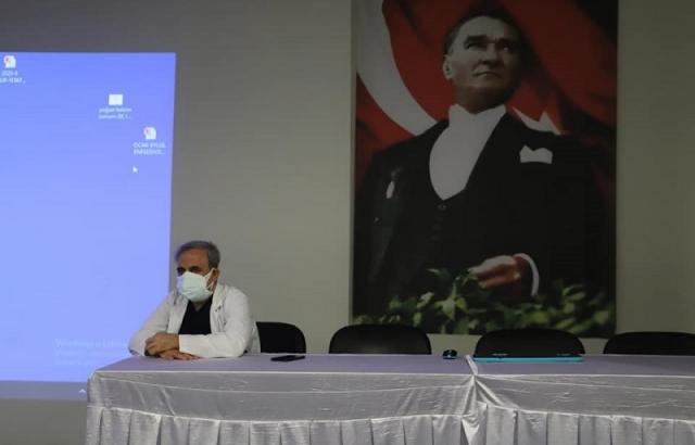 Bayrakçıoğlu, Doktorlarla toplantı yaptı.