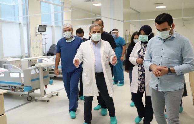 Bayrakçıoğlu'dan Ameliyat ve Acil servisine ziyaret