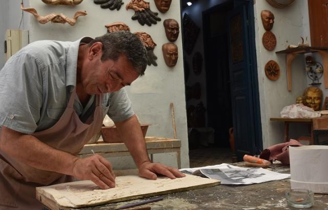 Çamur, taş ve ahşabı sanat eserine dönüştürüyor