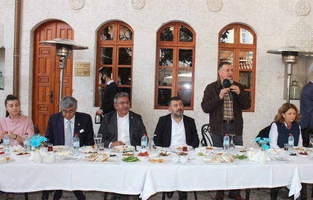 CHP heyetine Gastronomi Evi'nde kahvaltı verildi