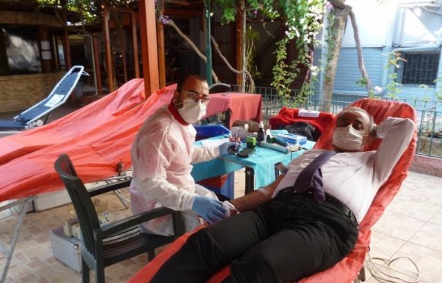 Defne İlçe Milli Eğitim Müdürlüğü kan bağışında bulundu