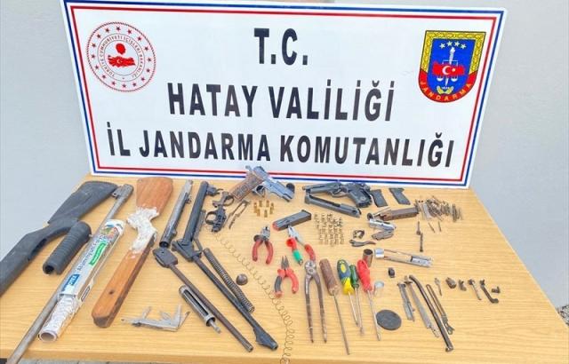 """Evini """"silah atölyesine"""" çeviren kişi gözaltına alındı"""