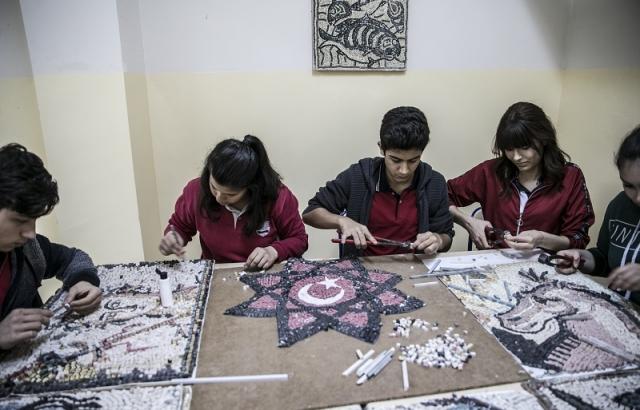 Hatay mozaikleri öğrencilere ilham oldu