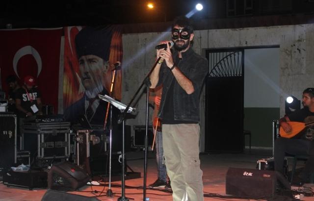 Hirai Zerdüş'ten muhteşem konser