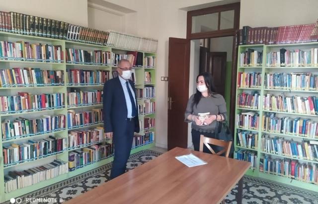 İlçe halk kütüphanesi köy okuluna köprü oldu