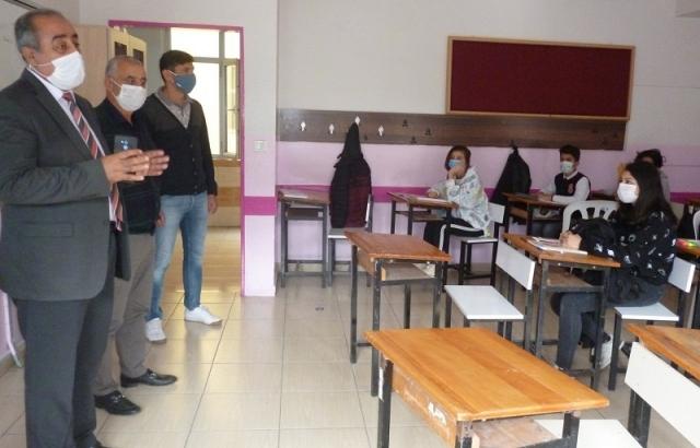 Müdür Gülistan, öğrencilerin isteklerini dinledi