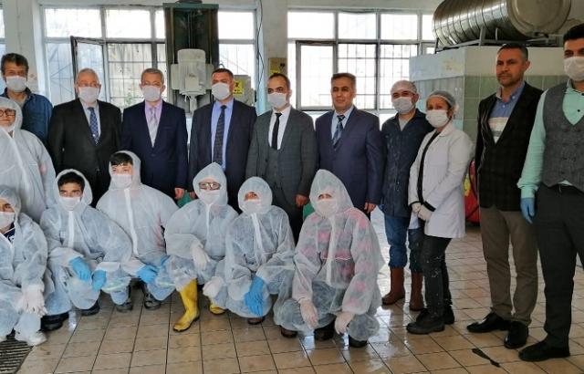 Öğrenciler Korona Virüse karşı dezenfektan üretti