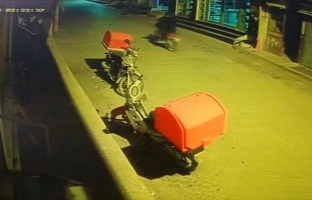 Park Halindeki Motosikleti Çalan Zanlı Yakalandı