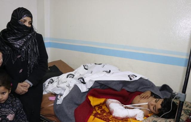 Saldırılarda yaralanan İdliblilerin tedavileri sürüyor