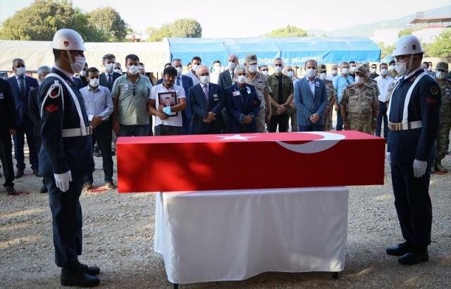 Şehit Jandarma Uzman Çavuş Hüseyin Yırtıcı, Hatay'da son yolcuğuna uğurlandı