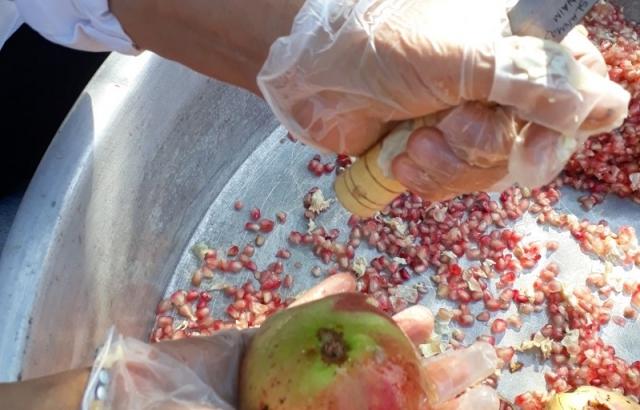 Slow Food Topluluğu'nun Ekim Etkinliği Nar Ekşisi