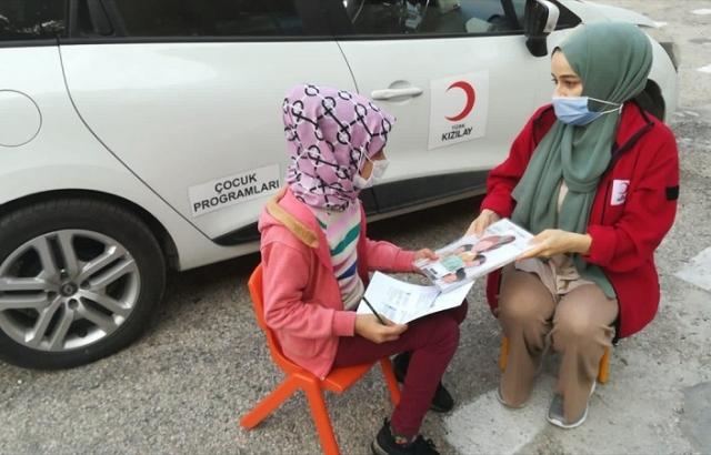 Türk Kızılay'dan çocuklara eğitim desteği