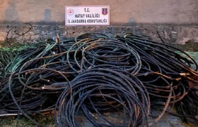 Türk Telekom'un kablolarını çalan hırsızlar yakalandı