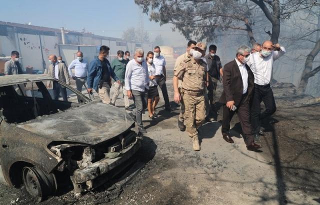 Vali Doğan, Yangın söndürme çalışmalarını yerinde takip ediyor
