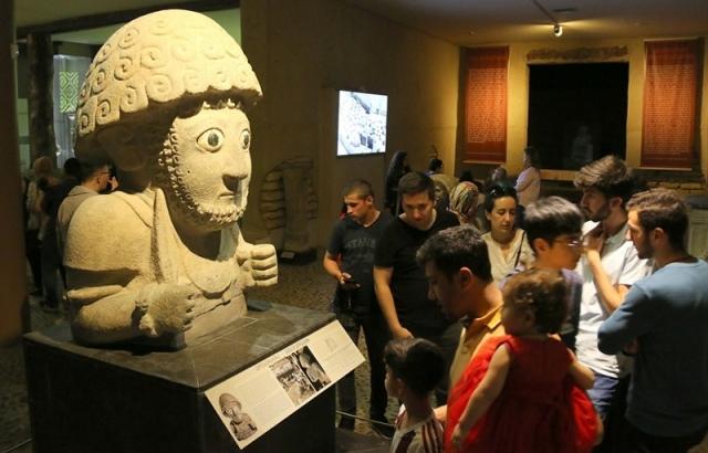 Vatandaşlar müzeye akın etti