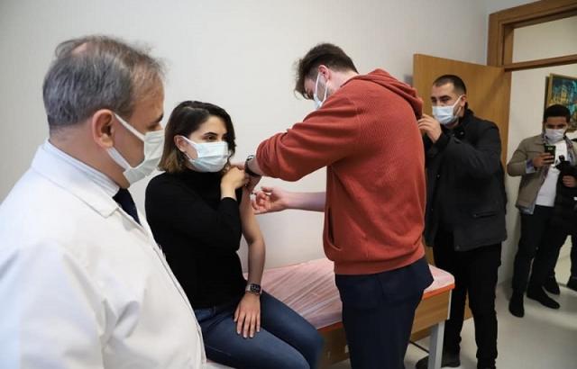 Bayrakçıoğlu, aşı alanını inceledi