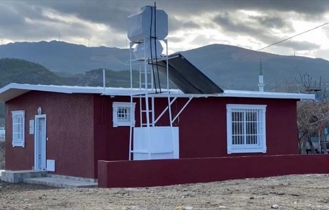 Fırtına mağduru aileye yeni ev yapıldı