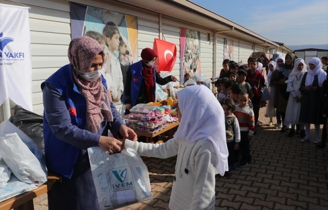 İnsan Vakfından Suriyeli çocuklara yardım