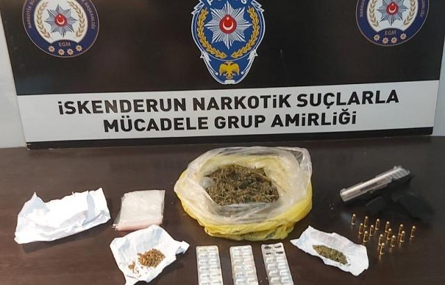 Saksıya uyuşturucu gizleyen şüpheli yakalandı