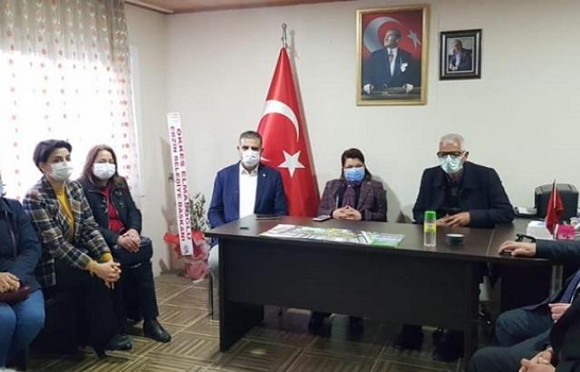 CHP'li Milletvekilleri muhtarlarla bir araya geldi