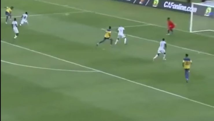 Boupendza'dan muhteşem gol