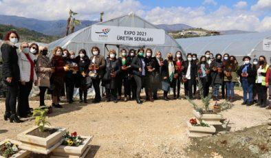 Kadınlar, EXPO seralarını ziyaret etti
