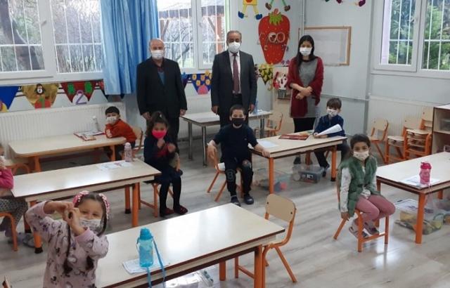 Kemal Gülistan okulları ziyaret etti