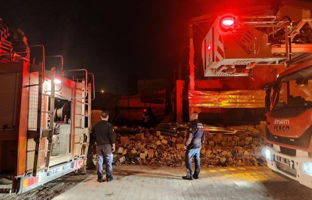 Sünger fabrikasında çıkan yangın söndürüldü