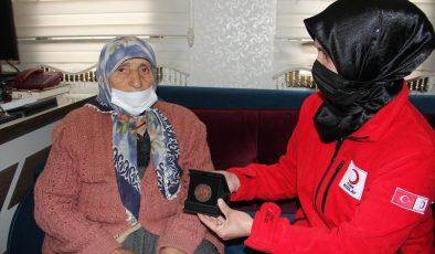 Bağışçı Sırma Yıldırımhan'a madalya