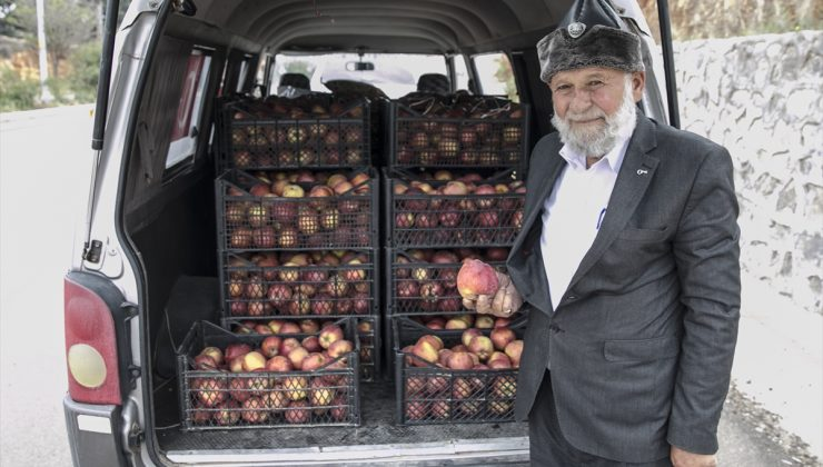 """""""Elmacı Dede""""den sınırdaki askerlere destek"""
