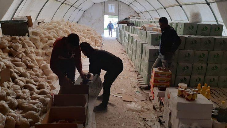 İdlib'e 7 tır insani yardım malzemesi