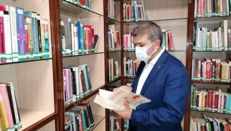Adem Yeşildal: Kütüphaneler bilgi yuvasıdır