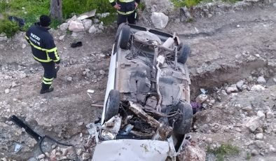 Otomobil uçuruma yuvarlandı: 4 yaralı