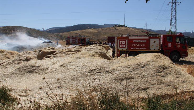 Bakras'ta çıkan yangında 10 ton saman yandı