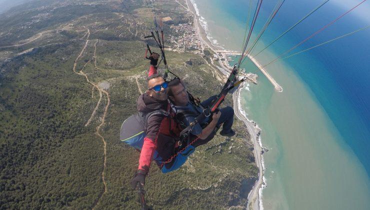 Başkan Eryılmaz'dan Yamaç Paraşütü Uçuşu
