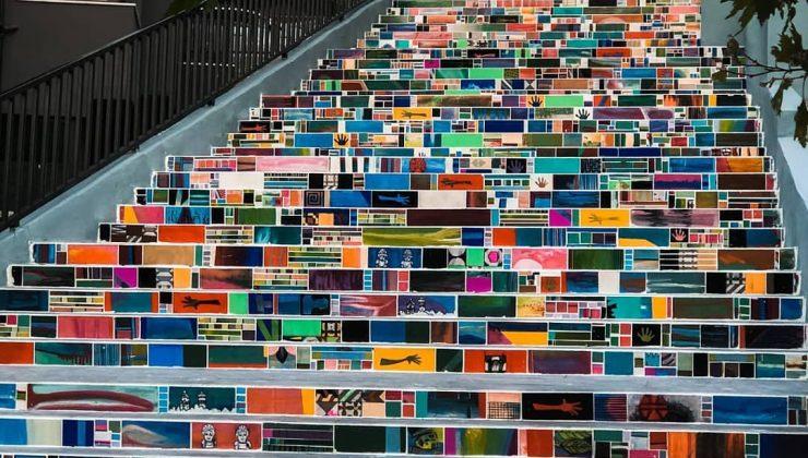 Dursunlu'ya renkli merdivenli sokak!