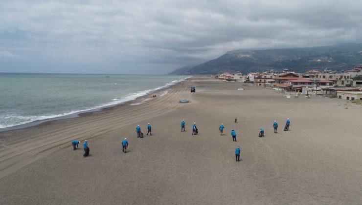 Hatay'ın sahilleri temizleniyor