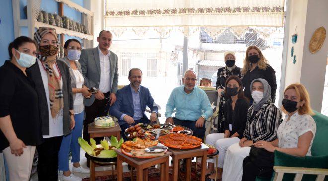 Milletvekili Özel ve Belediye Başkanı Fatih Tosyalı Altıneller Kooperatifini ziyaret ettiler.