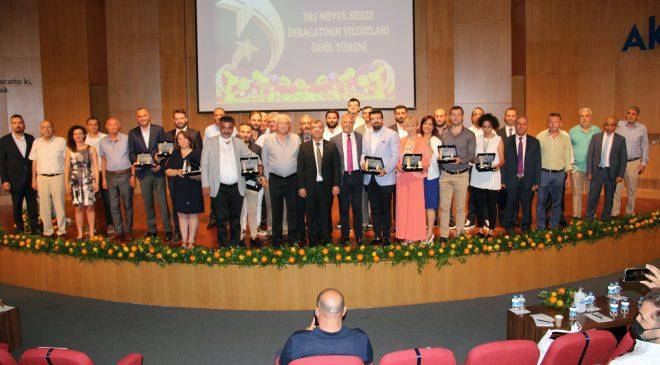 Yaş meyve sebze ihracatının yıldızları ödüllendirildi