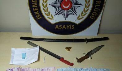 4 adrese düzenlenen operasyonda 2 şüpheli yakalandı