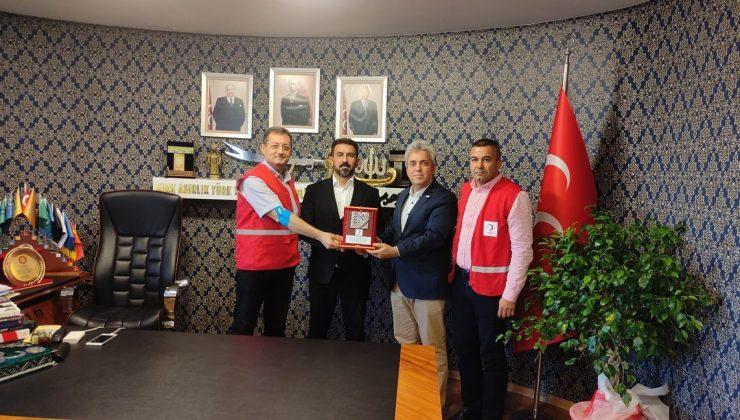 Kızılay'dan Adal'a Teşekkür Plaketi