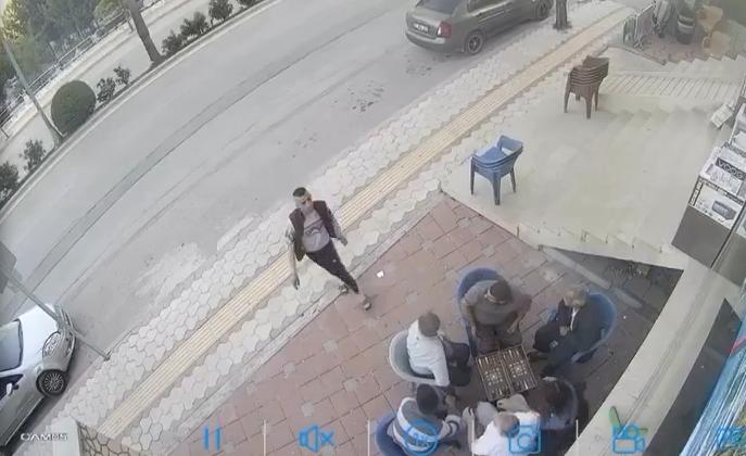 Satırlı Saldırganı Seyrettiler!